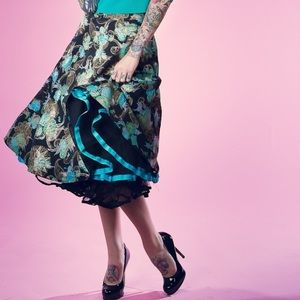 NWOT Tatyana circle black aqua skirt